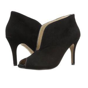 Nwt Adrienne Vittadini Ankle black  Booties